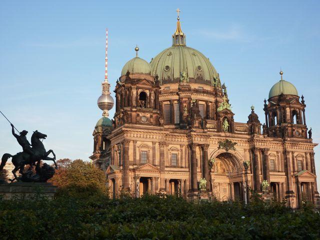Berliner dom with tvtower