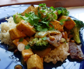 Broccolipeanuttofu